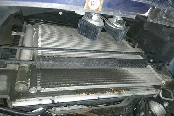 ジャガーXF エアコンの効きが悪い
