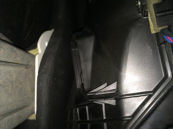 ジャガーXJ x350 エアコンの風が出ない故障修理