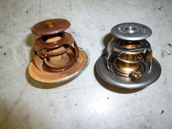 デイムラーW6 オーバーヒートとオイル漏れ修理